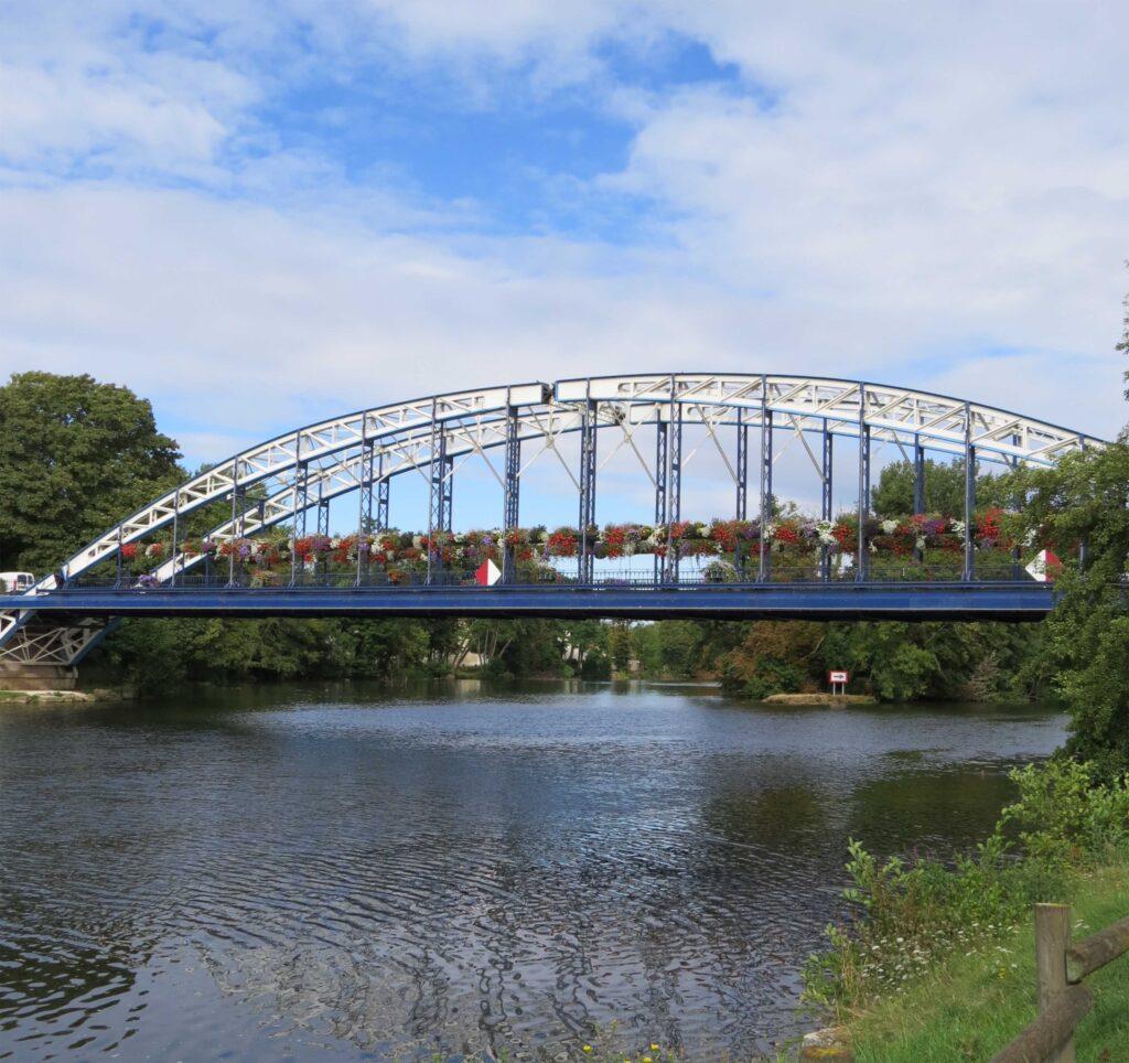 le pont de Monéteau, pont de style Eiffel